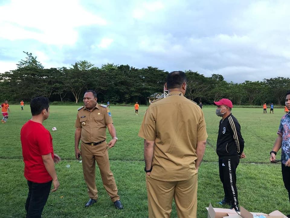 Bupati Dan Wakil Bupati Halsel Pantau Seleksi Para Pemain Persihalsel