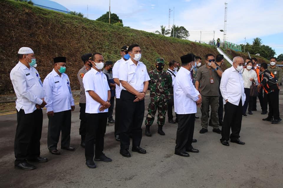 Wakil Bupati Sambut 7 Menteri Yang Tiba Di Halsel.