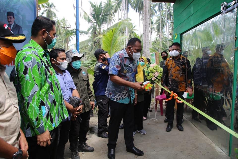 Peresmian Pengolahan Kopra Putih oleh Bupati Halmahera Selatan H. Usman Sidik bersama Wakil Bupati Hasan Ali Bassam Kasuba.