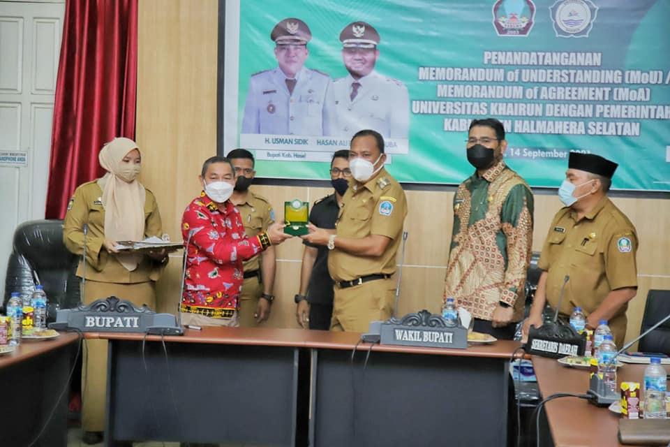 Pemda Halsel Lakukan Pendatangan MoU Dan MoA Dengan Universitas Khairun Ternate.